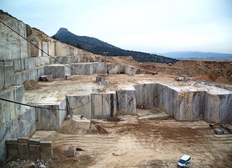 Historias y reportajes a pedra das meigas for Como se limpia el marmol manchado